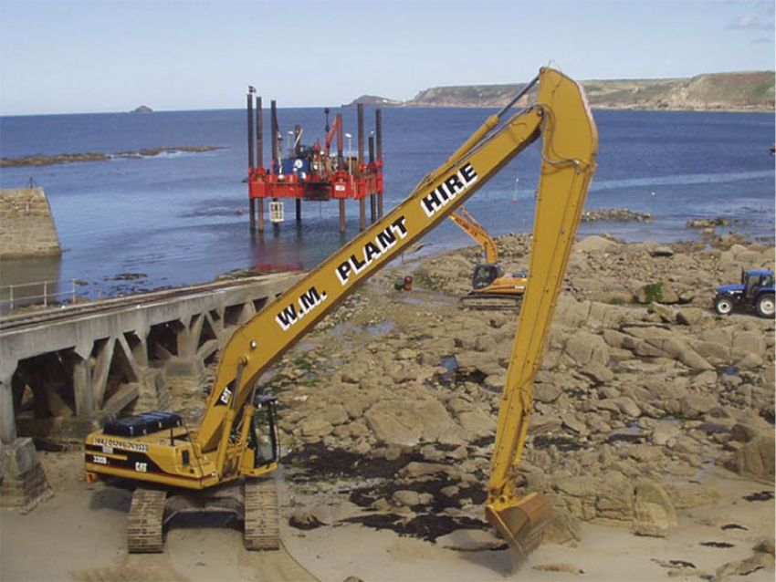 Channel dredging for new lifeboat station at Sennen Cove