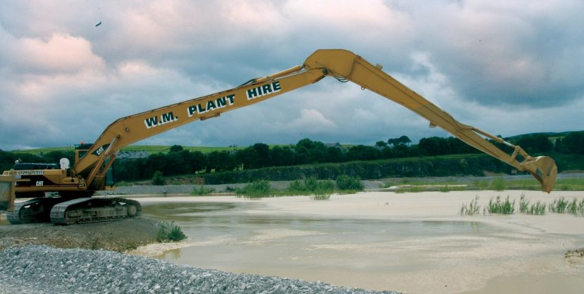 De-silting of quarry lagoon in Derbyshire